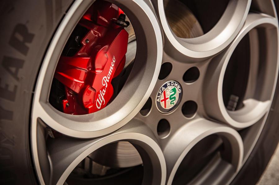 Alfa Romeo Stelvio Sprint 2020 : premier bilan de conduite au Royaume-Uni - roues et freins