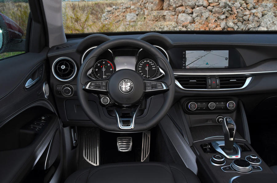 Alfa Romeo Stelvio Ti 2019 first drive review - cabin