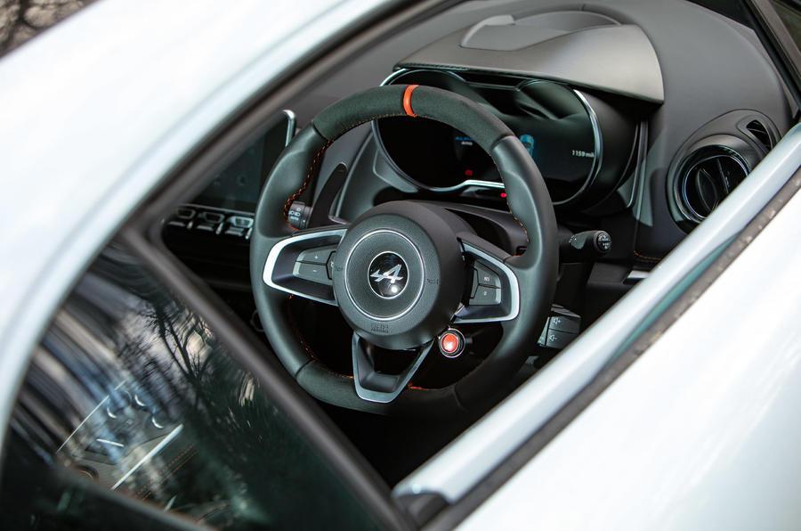 Alpine A110 S - interior