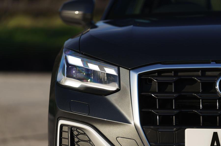 Audi Q2 35 TFSI Sport 2020 : premier bilan de conduite au Royaume-Uni - phares