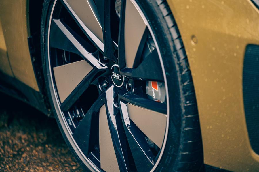 5 Audi RS E tron GT 2021 LHD : premier examen des roues en alliage