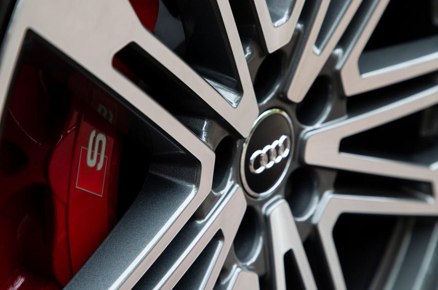 Audi SQ5 2019 first drive review - calipers