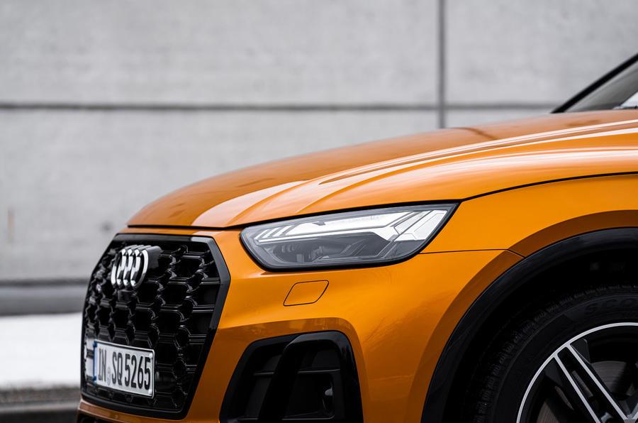 5 Audi SQ5 2021 : premiers phares d'examen de conduite