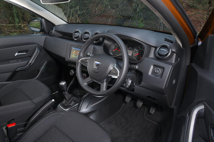 Dacia Duster 2019 long-term review - cabin