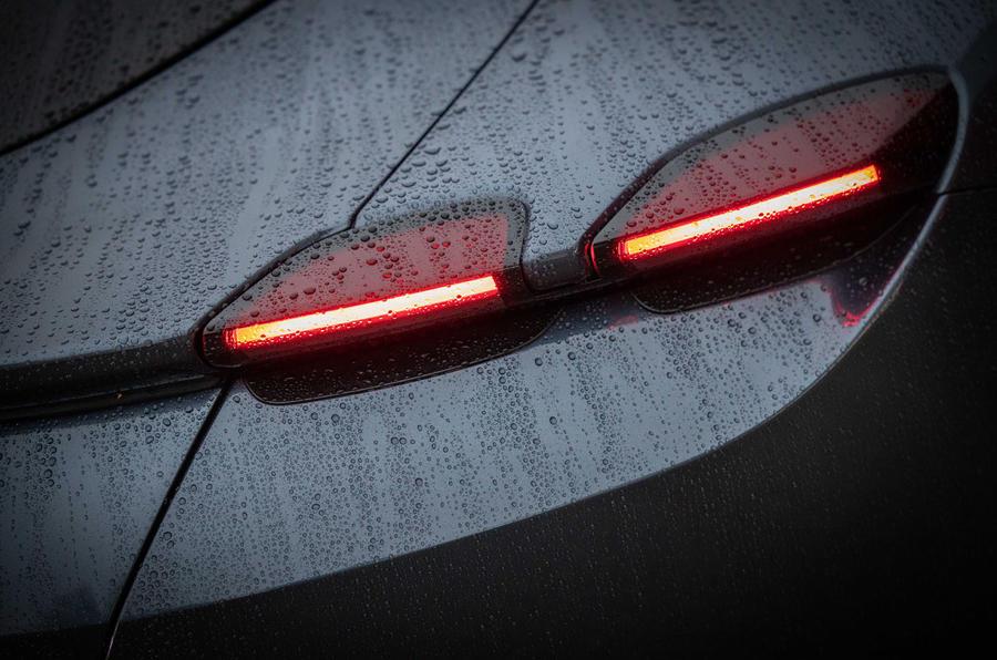 Ferrari Roma 2021 : premier examen de conduite au Royaume-Uni - feux arrière