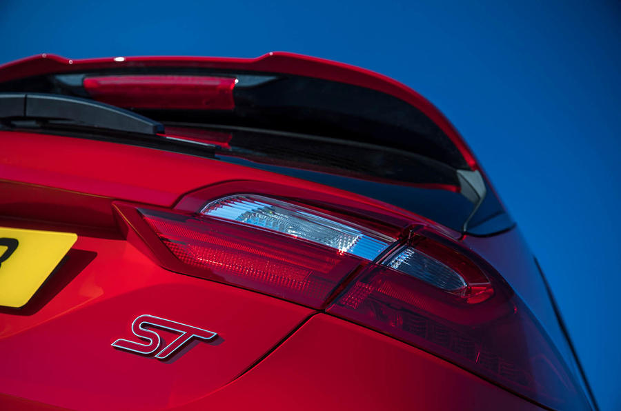 Ford Fiesta ST 2018 review rear lights