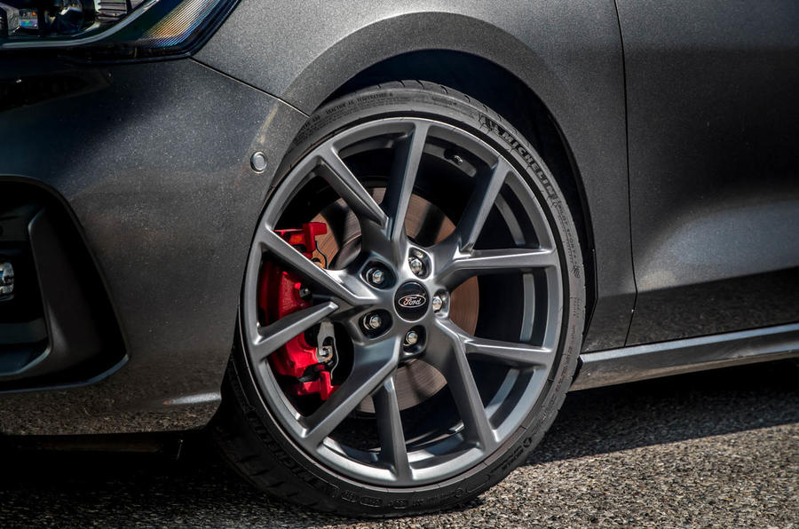 Ford Focus ST estate EcoBlue 2019 first drive review - alloy wheels
