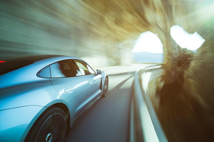 Game Changer 2020 Porsche Taycan - tunnel
