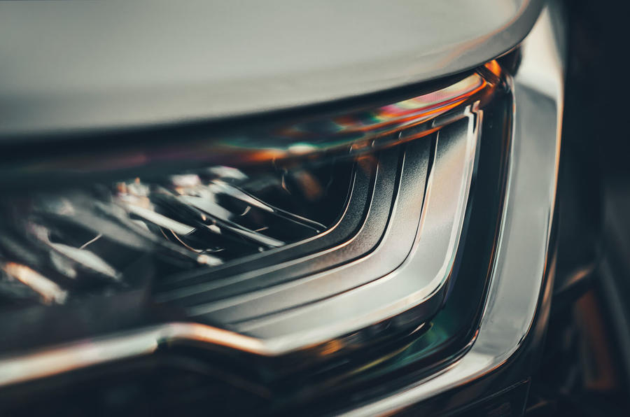 Honda CR-V hybrid 2019 first drive review - headlight details