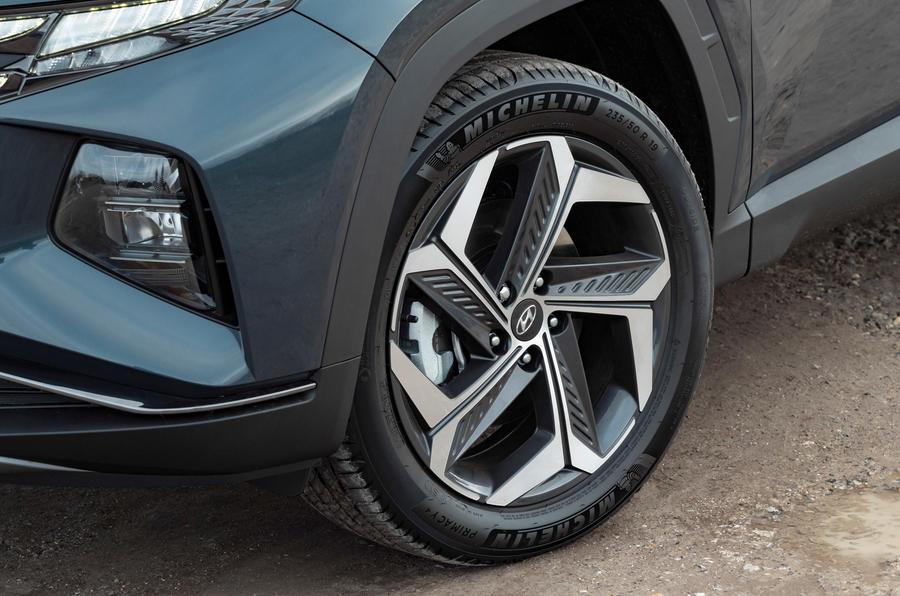 5 Hydundai Tucson PHEV 2021 UE FD roues en alliage