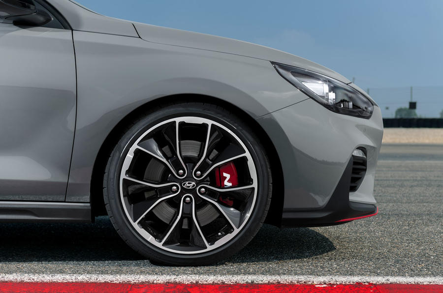 Hyundai i30 Fastback N 2019 first drive review - alloy wheels