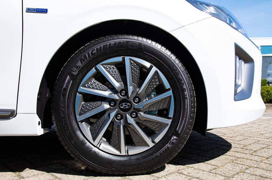 Hyundai Ioniq Electric 2019 first drive review - alloy wheels