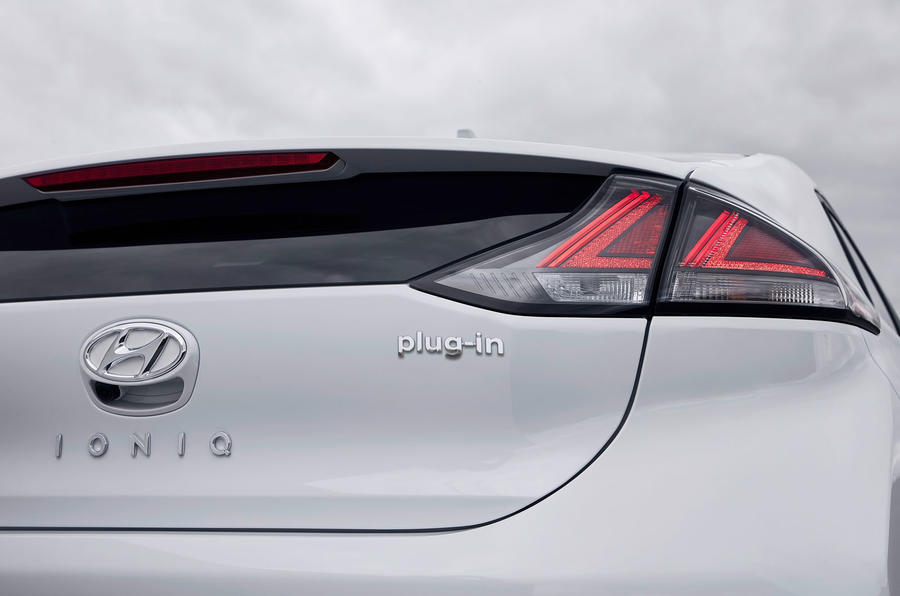 Hyundai Ioniq plug-in hybrid 2019 first drive review - rear lights