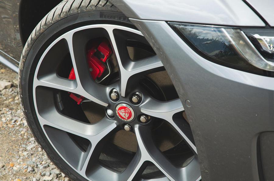 Jaguar XE P300 2019 UK first drive review - alloy wheels