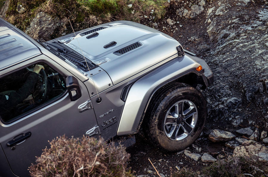 Jeep Wrangler 2019 UK first drive review - alloy wheels