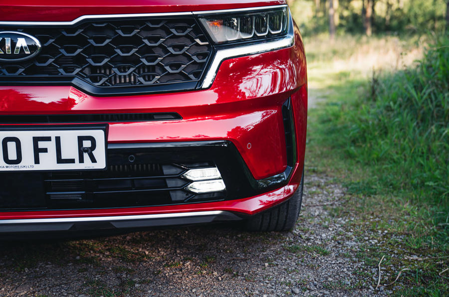 Kia Sorento hybrid 2020 UK first drive review - front lights