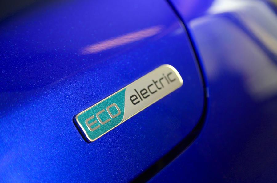 Kia Soul EV 2019 first drive review - EV badge