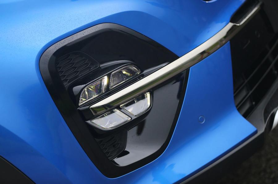 Kia Sportage GT-Line S 48V 2018 first drive review foglights
