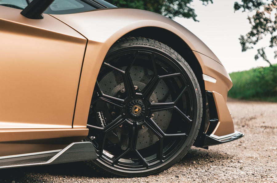 Lamborghini Aventador SVJ Roadster 2019 first drive review - alloy wheels