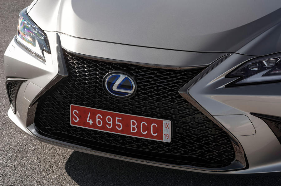 Lexus ES 2019 first drive review - nose