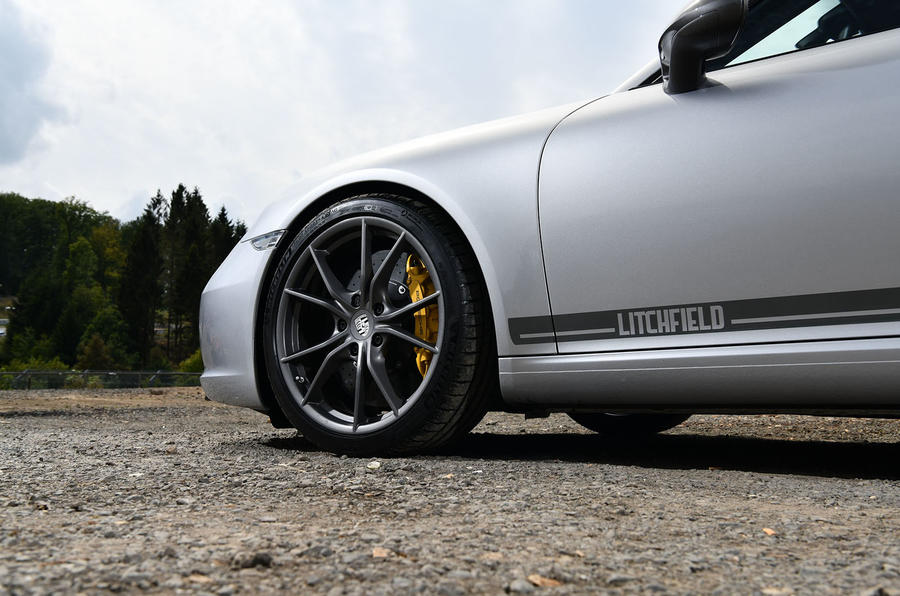 Litchfield Porsche 911 Carrera T 2018 first drive review - decals