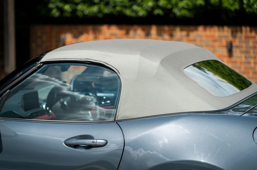 Mazda MX-5 1.5 R-Sport 2020 UK first drive review - fabric roof