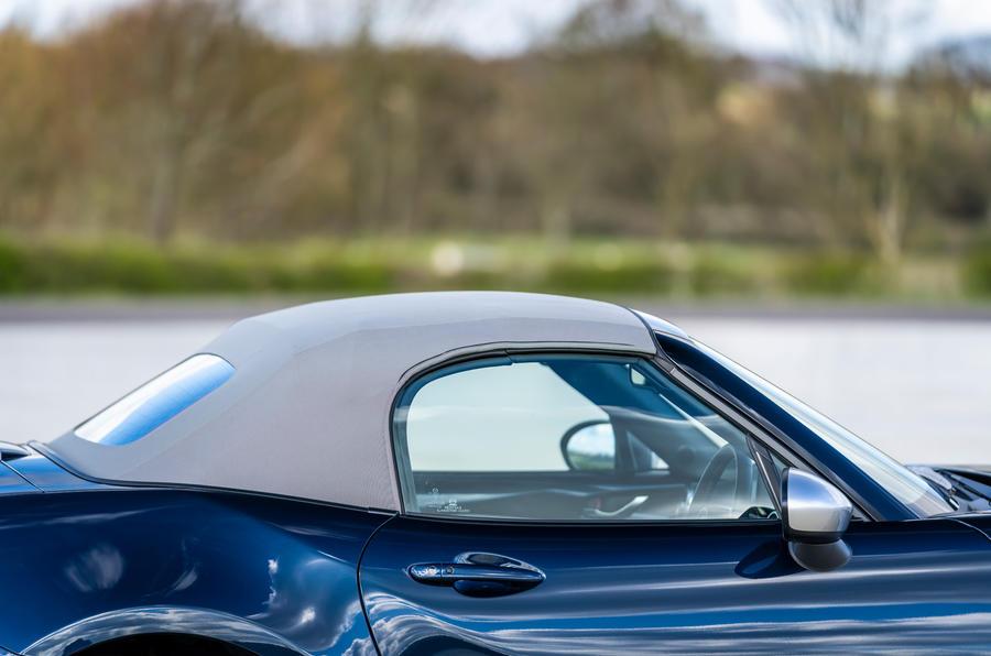 5 Mazda MX 5 Sport Venture 2021 UE FD toit