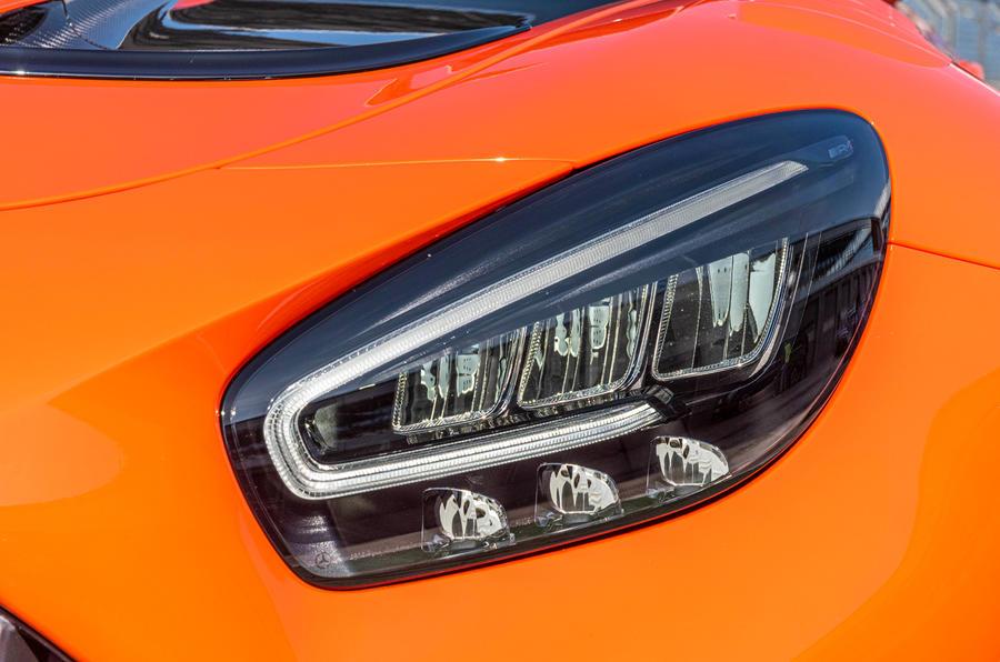 Mercedes-AMG GT Black Series 2020 : premier bilan de conduite - phares