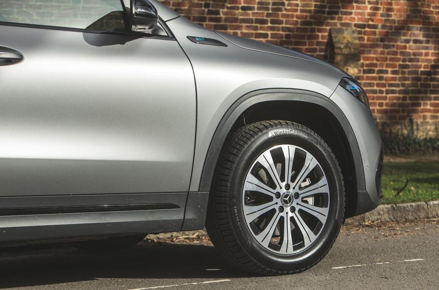 5 Mercedes Benz EQA 2021 : premier examen de la conduite des roues en alliage au Royaume-Uni