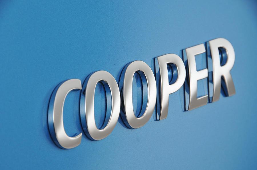 Mini 5dr Cooper - badging