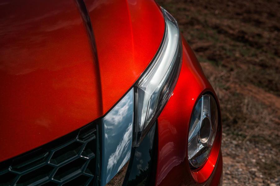 Nissan Juke 2019 first drive review - daytime running lights