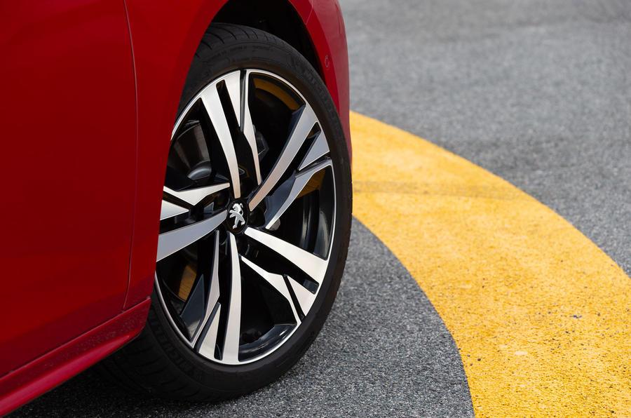 Peugeot 508 2018 review alloy wheels