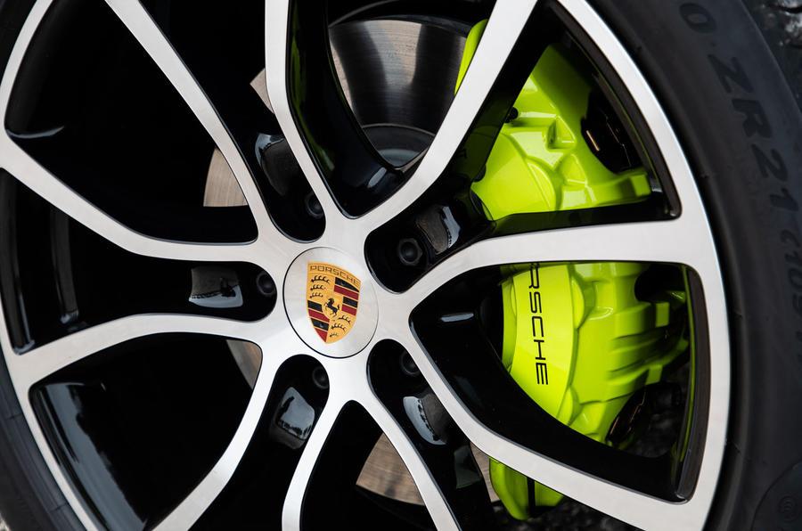 Porsche Cayenne E-Hybrid 2018 review brake calipers