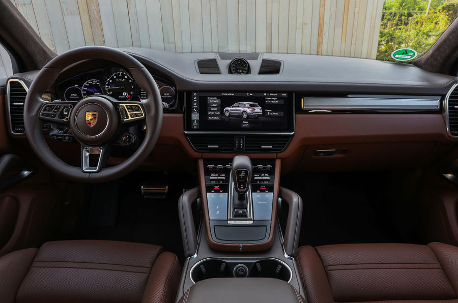 Porsche Cayenne Turbo S E-hybrid 2019 first drive review - dashboard