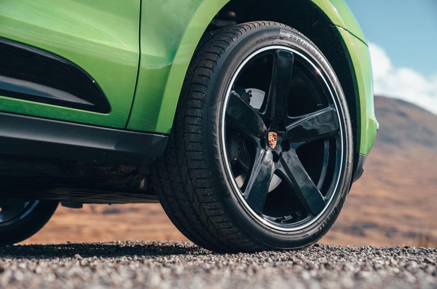 Porsche Macan 2019 first drive review - alloy wheels