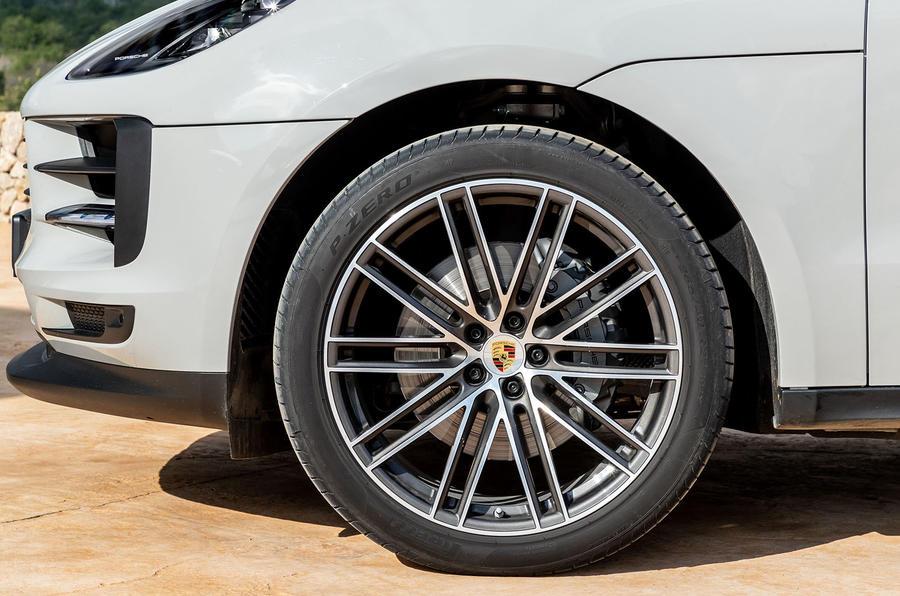 Porsche Macan S 2019 first drive review - alloy wheels