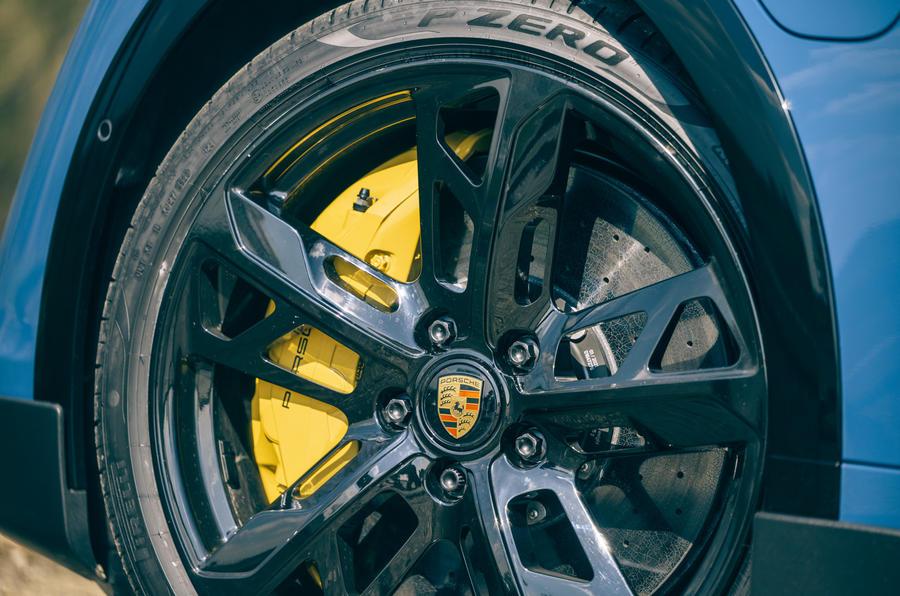 5 Jantes en alliage de la Porsche Taycan Cross Turismo 2021 LHD
