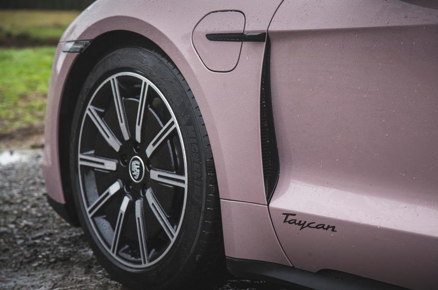 5 Porsche Taycan RWD 2021 : premier examen de la conduite au Royaume-Uni
