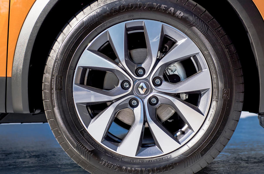 Renault Captur 2019 first drive review - alloy wheels