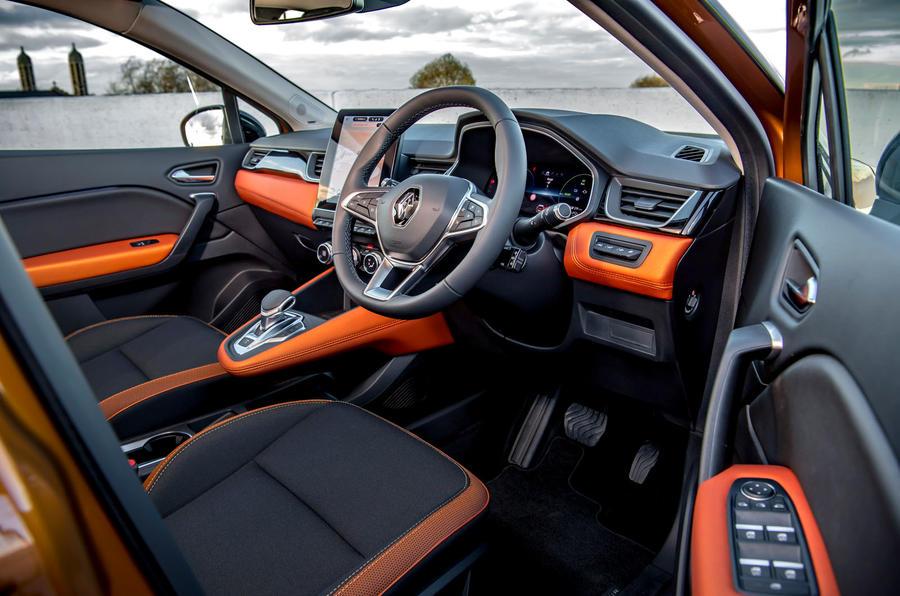 Renault Captur E-Tech PHEV RHD 2020 UK first drive review - cabin