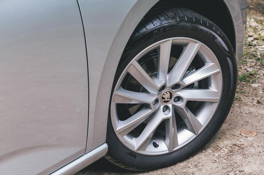 Skoda Scala 1.5 TSI SE 2019 UK first drive review - alloy wheels