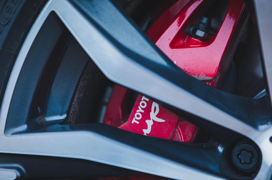 5 Toyota GR Supra 2 litres 2021 Premier examen des étriers de frein au Royaume-Uni