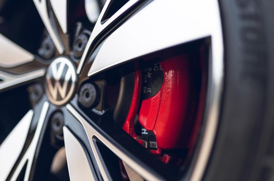 5 Volkswagen Golf GTD 2021 : première révision des étriers de frein au Royaume-Uni