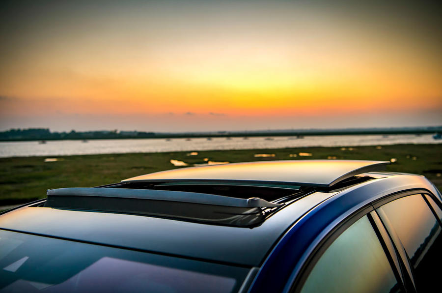 Volkswagen Golf R Performance Pack 2018 review sunroof