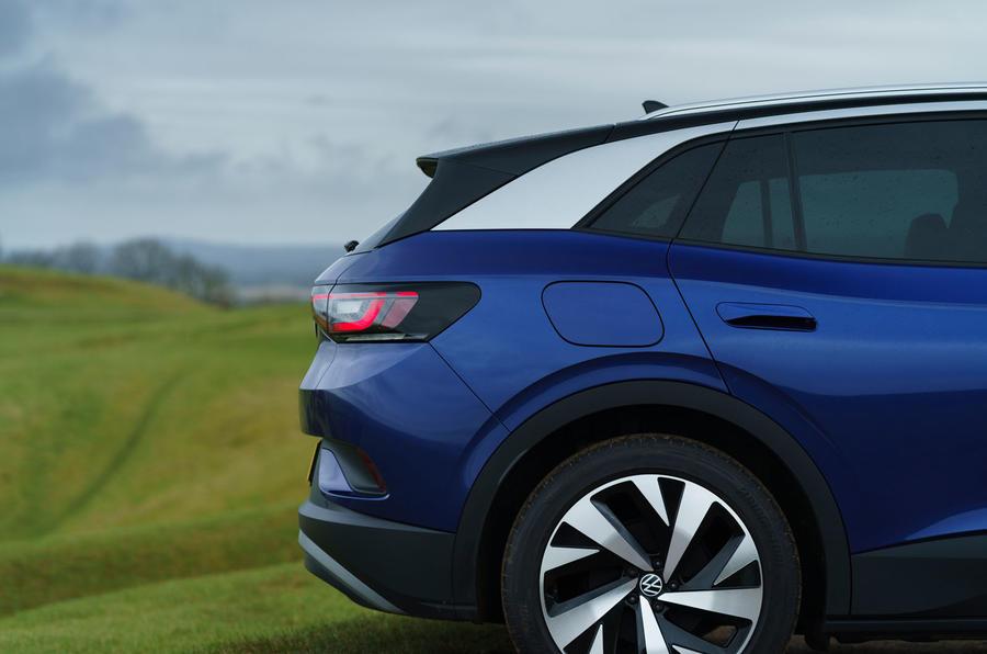 5 Volkswagen ID 4 2021 UE premier essai essai essai arrière