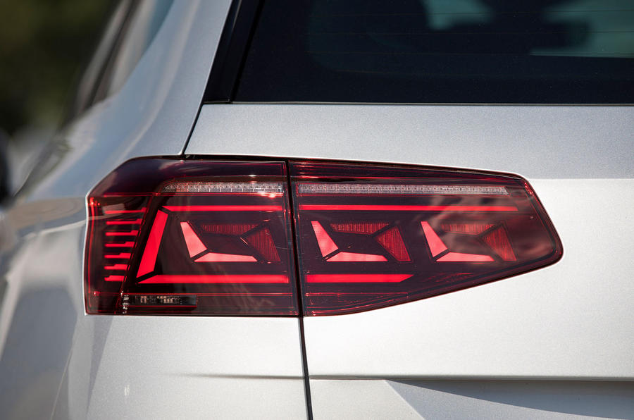 Volkswagen Passat GTE Estate 2019 first drive review - rear lights