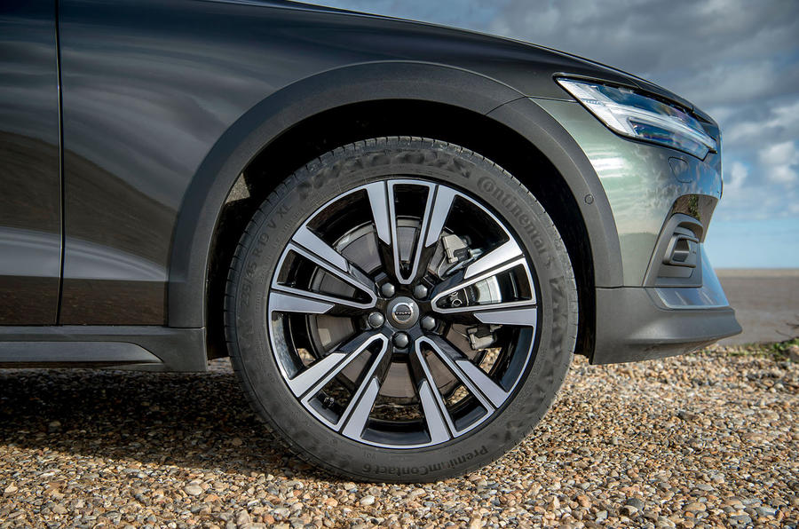 Volvo V60 Cross Country 2019 UK first drive review - alloy wheels