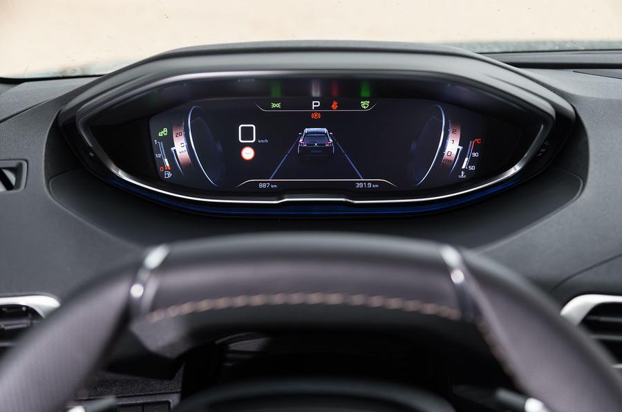 Peugeot 5008 instrument cluster