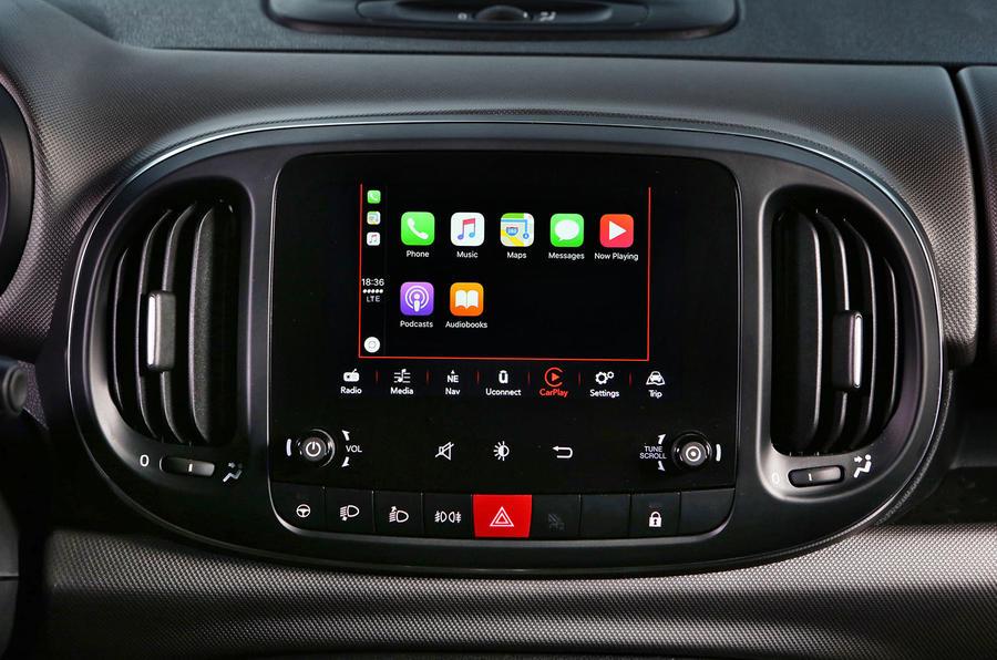 Fiat 500L Apple Carplay