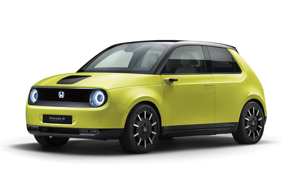 Honda e in Charge Yellow